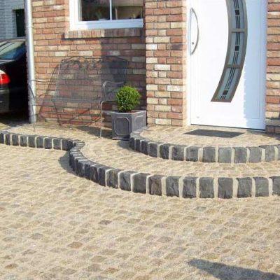 Naturstein Eingangsstufen Gartendesign Killen