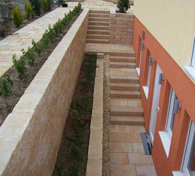 Naturstein Mauern Stufen Gartendesign Killen